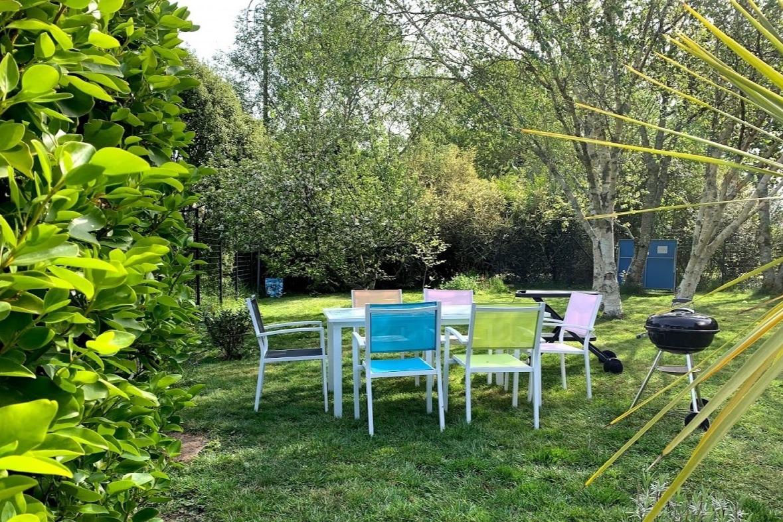 Salon de jardin avec barbecue - Location de vacances - Fouesnant