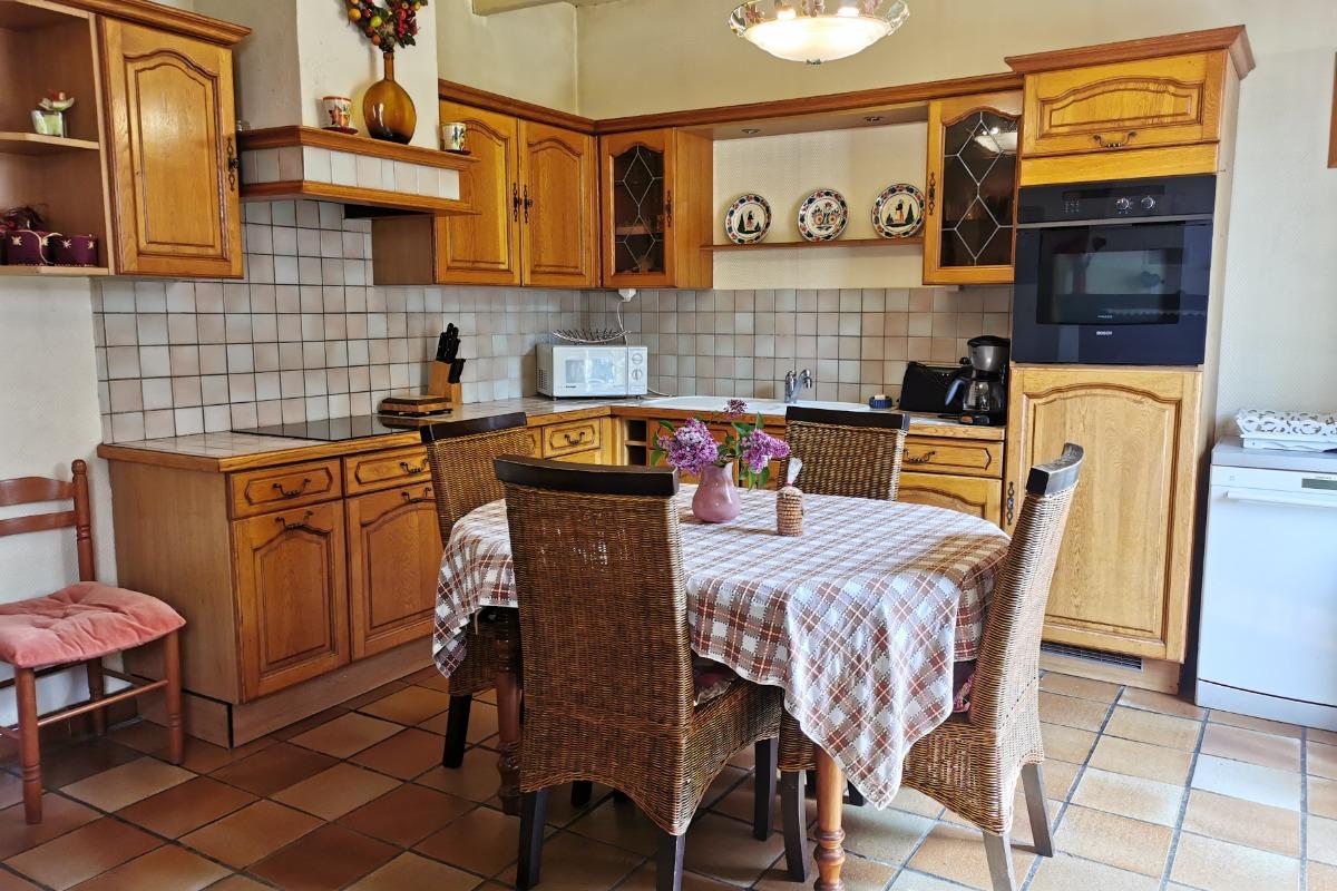 Cuisine / salle à manger - Location de vacances - Saint-Goazec