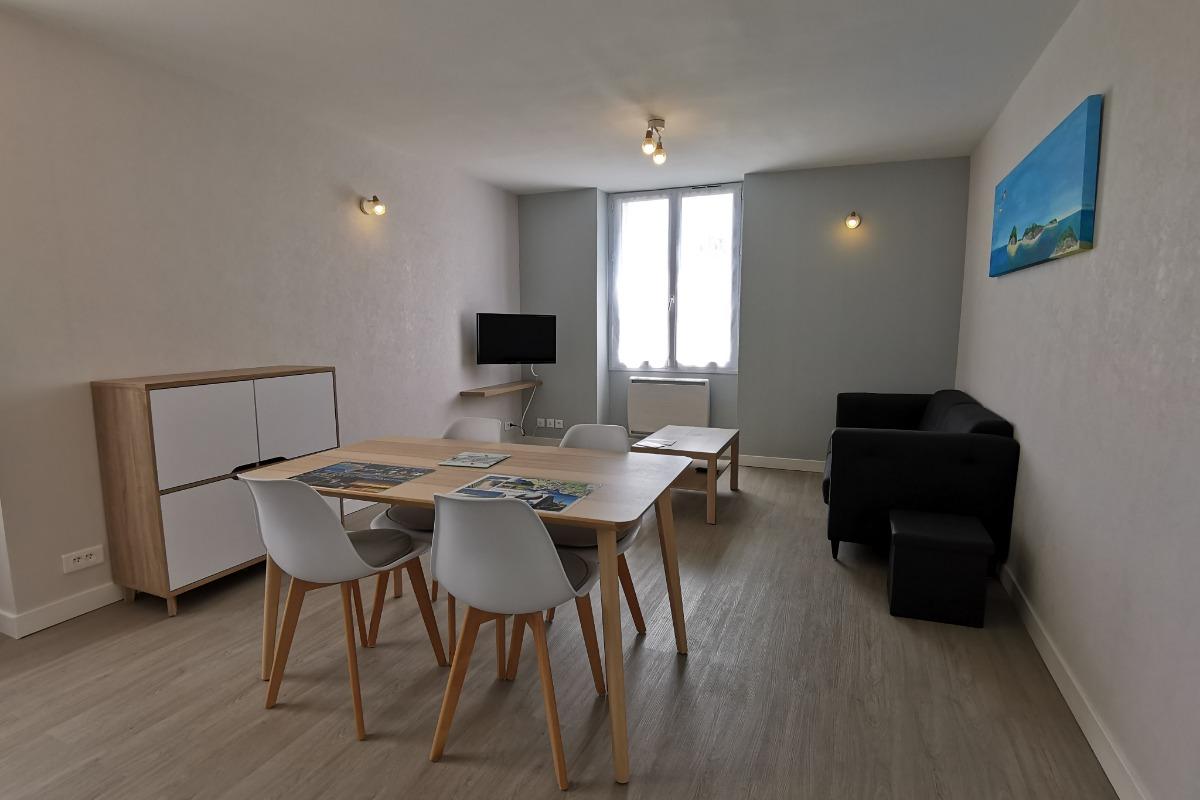 Pièce de vie lumineuse et spacieuse pour 2 pers - Location de vacances - Fouesnant