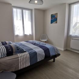 Grande chambre avec un lit 160 - Location de vacances - Fouesnant