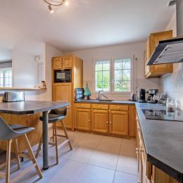 Espace salon avec canapé convertible - Location de vacances - Lannilis