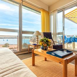 Salon de jardin sur le balcon avec vue mer - Location de vacances - Bénodet