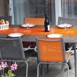 Salon de jardin sur terrasse couverte. - Location de vacances - Plabennec