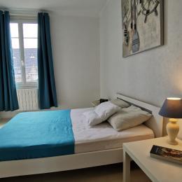 Chambre avec lit 140 - Location de vacances - Saint-Pol-de-Léon