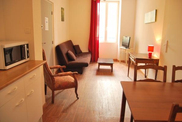 Résidence du Rhône et des Thermes, Appartement n°6 location de meublés thermaux à Néris-les-Bains - Location de vacances - Néris-les-Bains