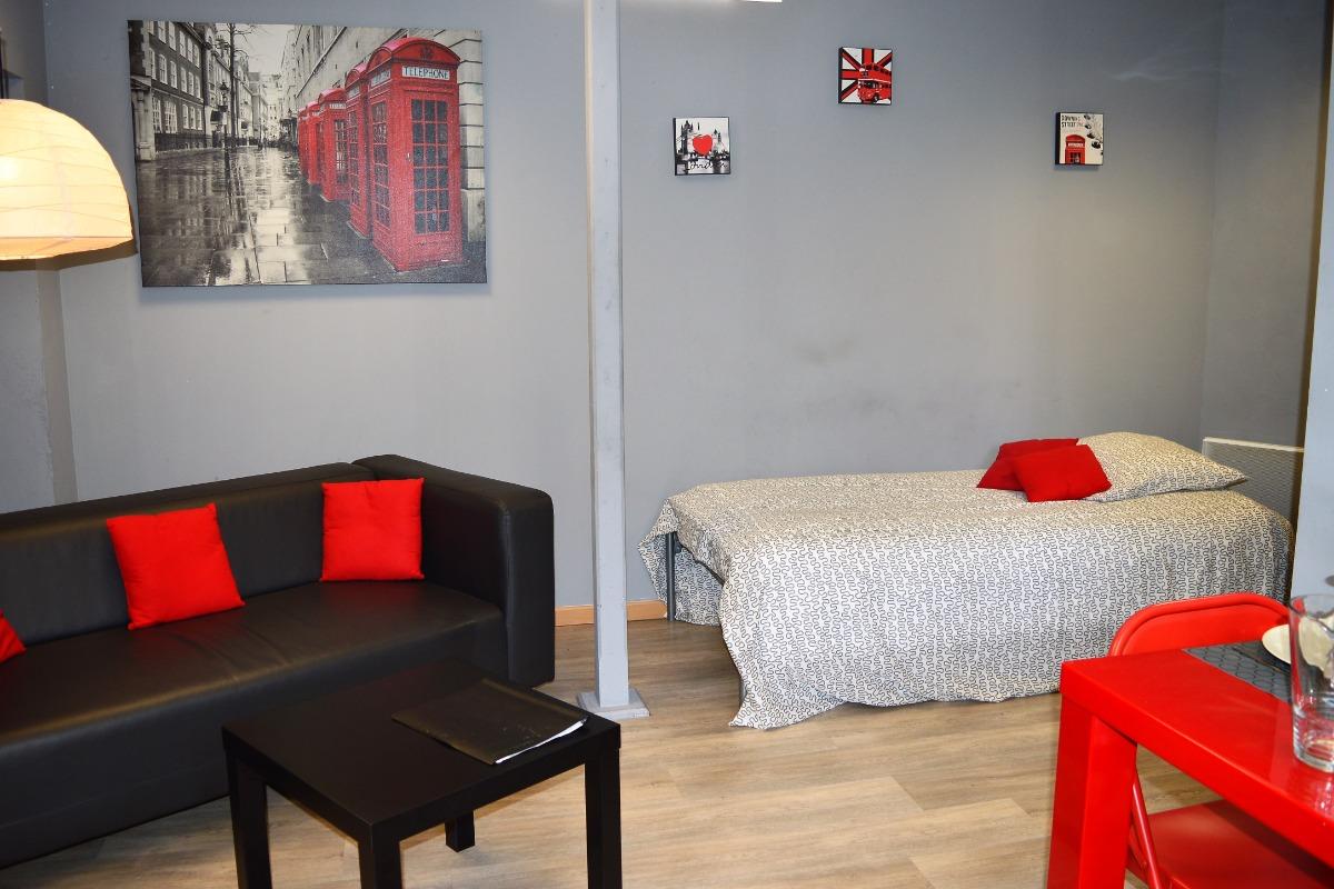 Résidence Les Volets Bleus - Appt n°2 location de meublés à Néris-les-Bains à 150m des thermes - Location de vacances - Néris-les-Bains