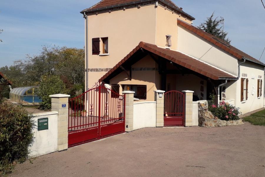 Gîte des Chaumes extérieur. - Location de vacances - Buxières-les-Mines