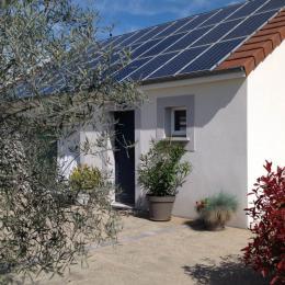 La maison de Pascale Charmante maison avec jardin, piscine couverte et spa en Auvergne - Location de vacances - Lignerolles