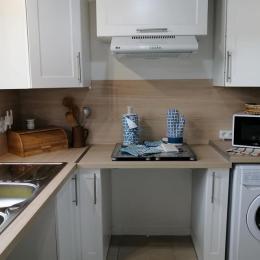 La cuisine entièrement équipée, fonctionnelle et accessible PMR - Location de vacances - Toulon-sur-Allier