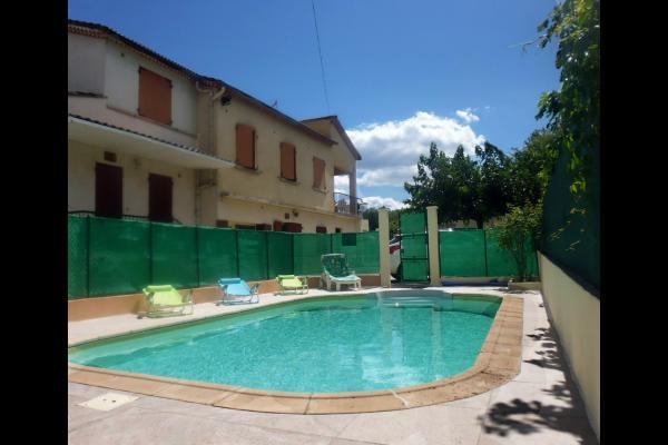 gîtes et piscine - Location de vacances - Lézan