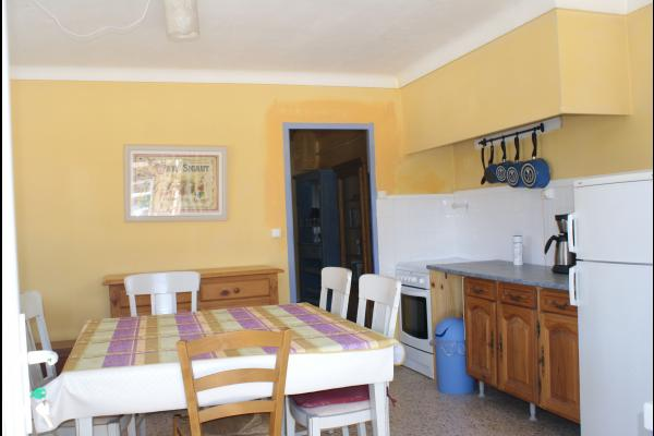La cuisine - Location de vacances - Vauvert