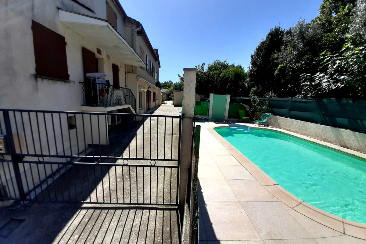 ensemble gîtes et piscine - Location de vacances - Lézan