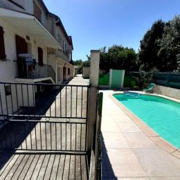 Piscine clôturée 4 mètres X 8 mètres - Location de vacances - Lézan