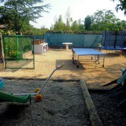 aire de jeux - Location de vacances - Lézan