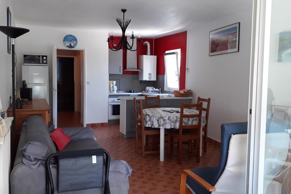 Séjour cuisine - Location de vacances - Le Grau-du-Roi