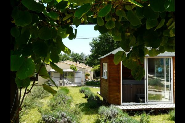 SPA + vue des gites - Location de vacances - Quissac