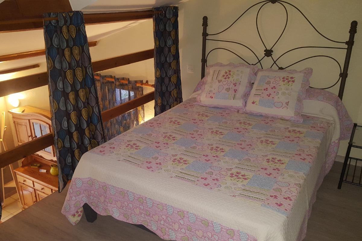 parking privatif et treille ombragée - Location de vacances - Beaucaire