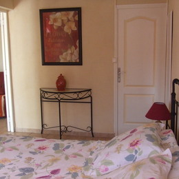 - Chambre d'hôtes - Chusclan