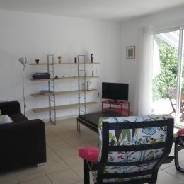le salon ensoleillé  - Location de vacances - Villeneuve-lès-Avignon