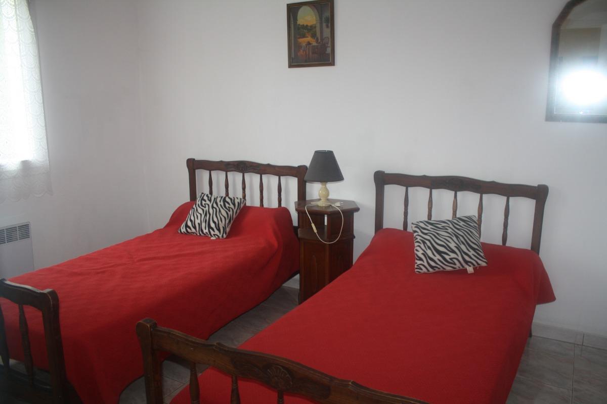 chambre 2 lts - Location de vacances - Saint-Julien-de-Cassagnas