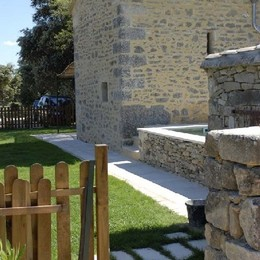 - Location de vacances - Montaren-et-Saint-Médiers