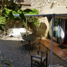 studio jardin - Location de vacances - Saint-Victor-la-Coste