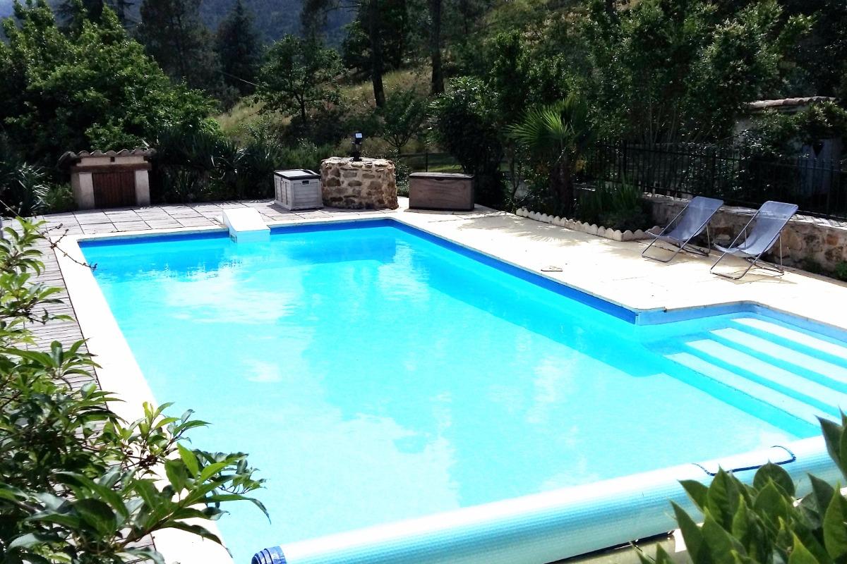 Piscine - Location de vacances - Gagnières