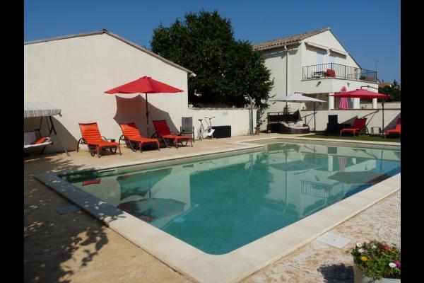 Vue coin piscine - Location de vacances - Caissargues