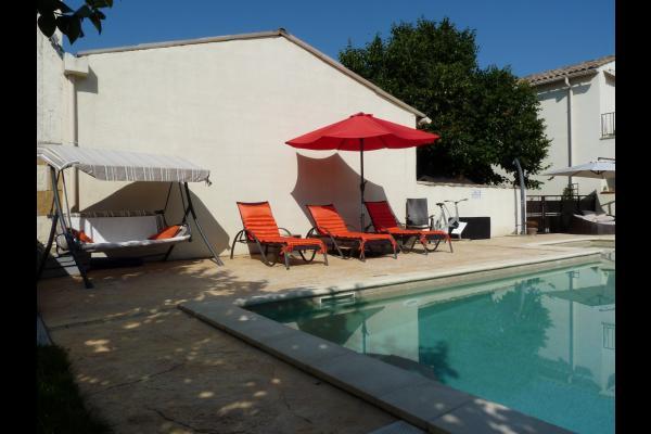 Piscine et soleil - Location de vacances - Caissargues