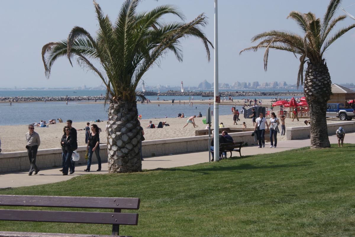 Vue de la plage au plus proche de l'appartement - Location de vacances - Le Grau-du-Roi