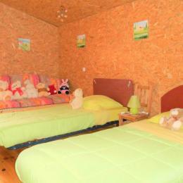 La chambre lit queen size 160 X 200 - Location de vacances - Saint-Clément