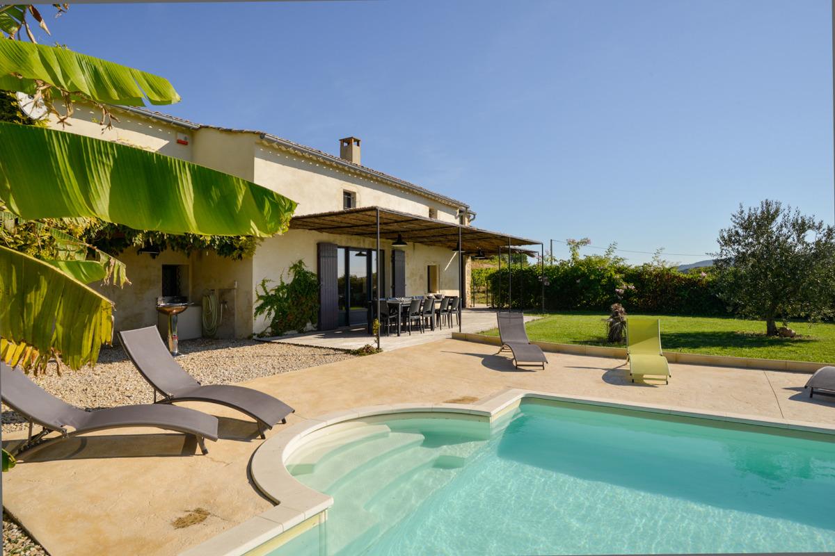 Grande piscine privée, terrasse ombragée  - Location de vacances - Bagnols-sur-Cèze