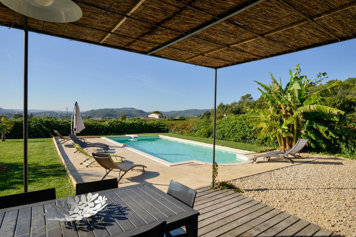 La romance piscine priv e cl tur e 30 km avignon uz s - Location vacances avignon piscine ...