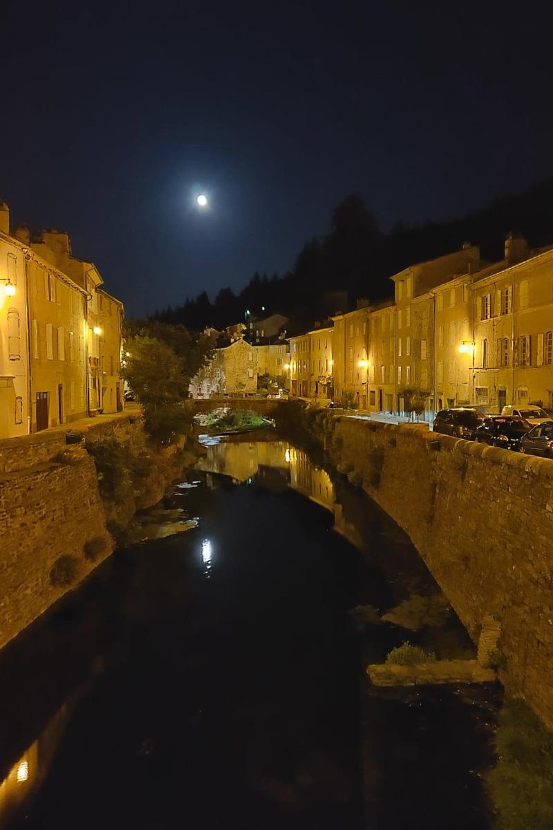 La belle chambre Pierre de Lune - Chambre d'hôtes - Saint-André-de-Valborgne