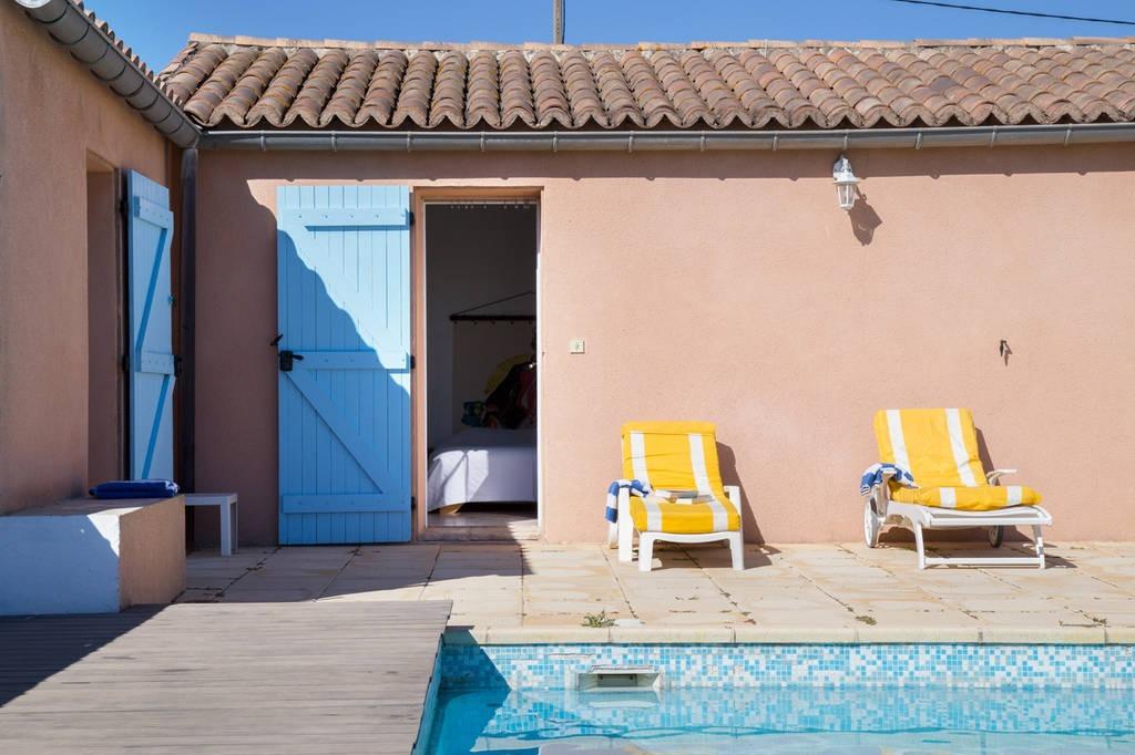 Chambre donnant sur la piscine - Chambre d'hôtes - Pont-Saint-Esprit