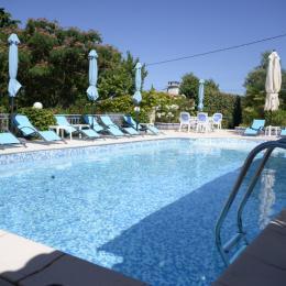 Piscine - Location de vacances - Saint-Paulet-de-Caisson