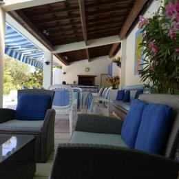 Pool house - Location de vacances - Saint-Paulet-de-Caisson