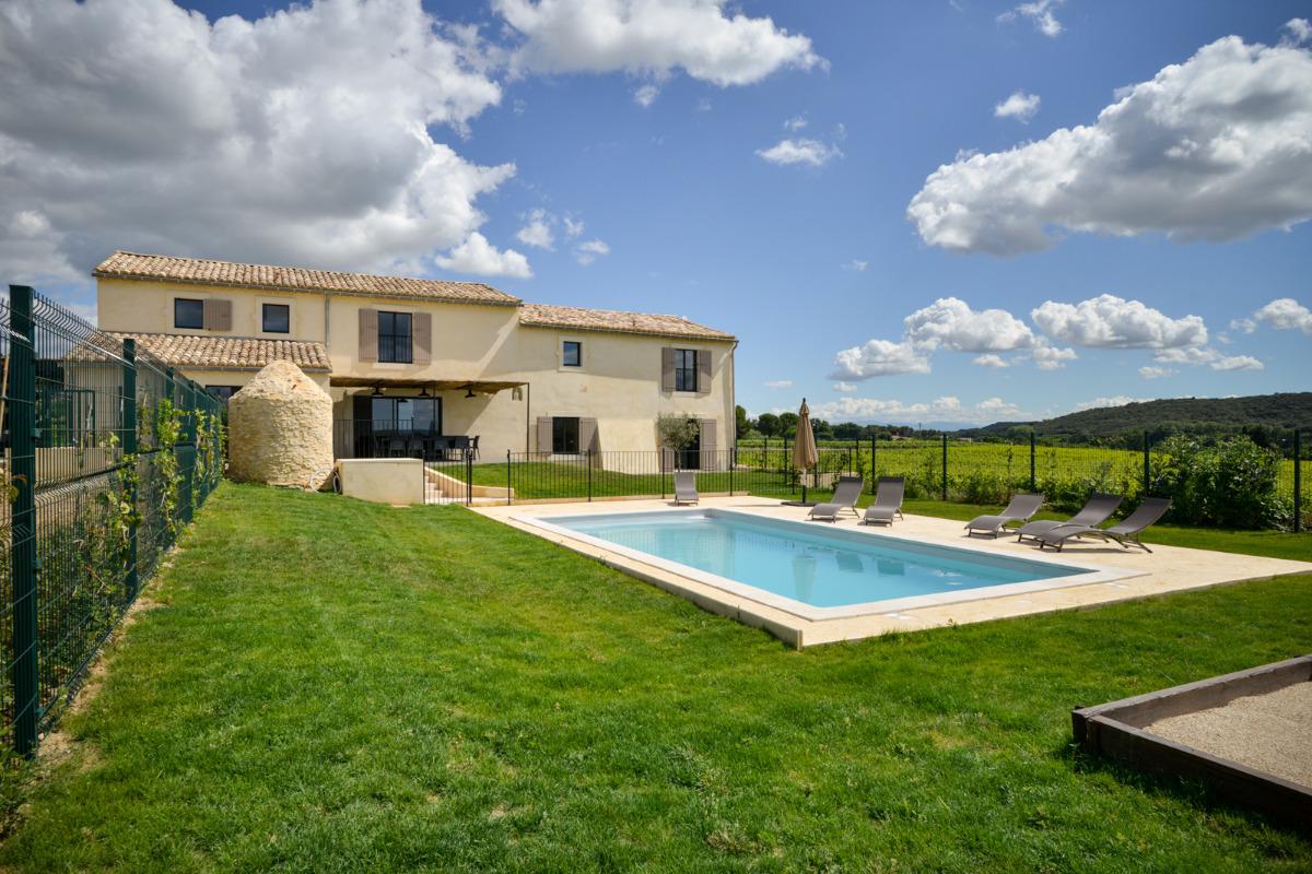 Villa piscine priv e terrain clos le baranier 30 kms for Piscine clos d or grenoble