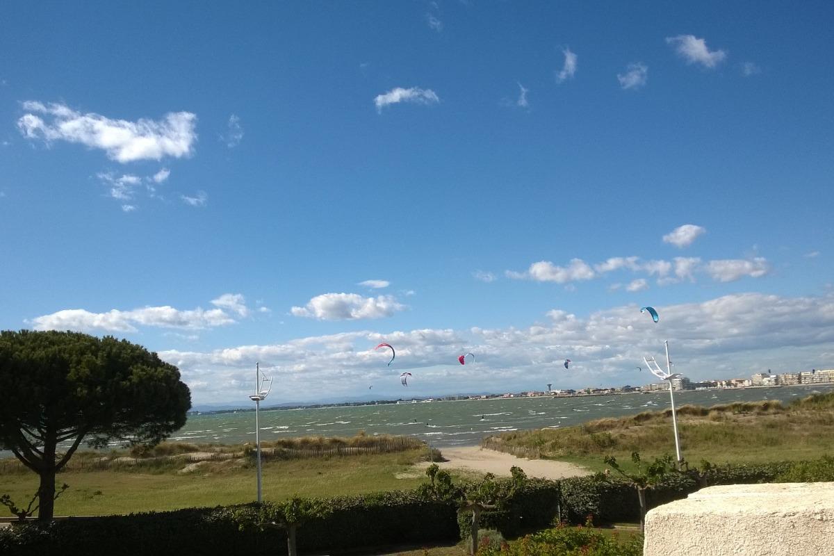 Vue depuis Balcon/Terrasse de la mer et des activités nautiques/Expo Ouest - Location de vacances - Le Grau-du-Roi