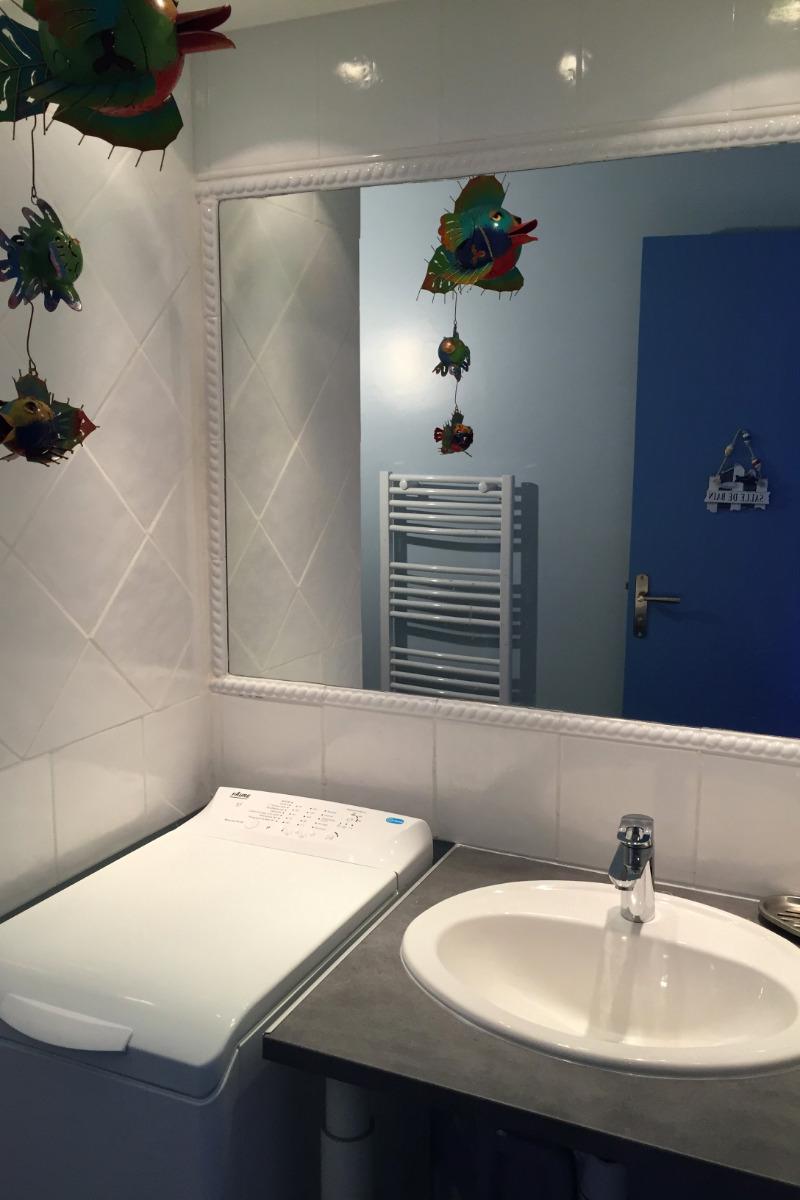 Douche spacieuse (90*90) avec faience