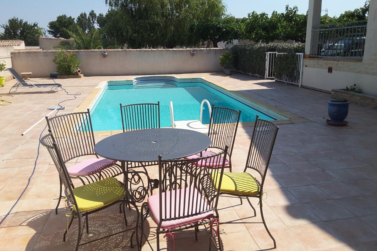 Terrasse cuisine d'été  - Location de vacances - Théziers