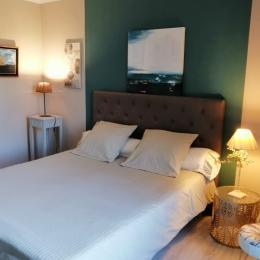 chambre 1 olivier - Location de vacances - Vézénobres