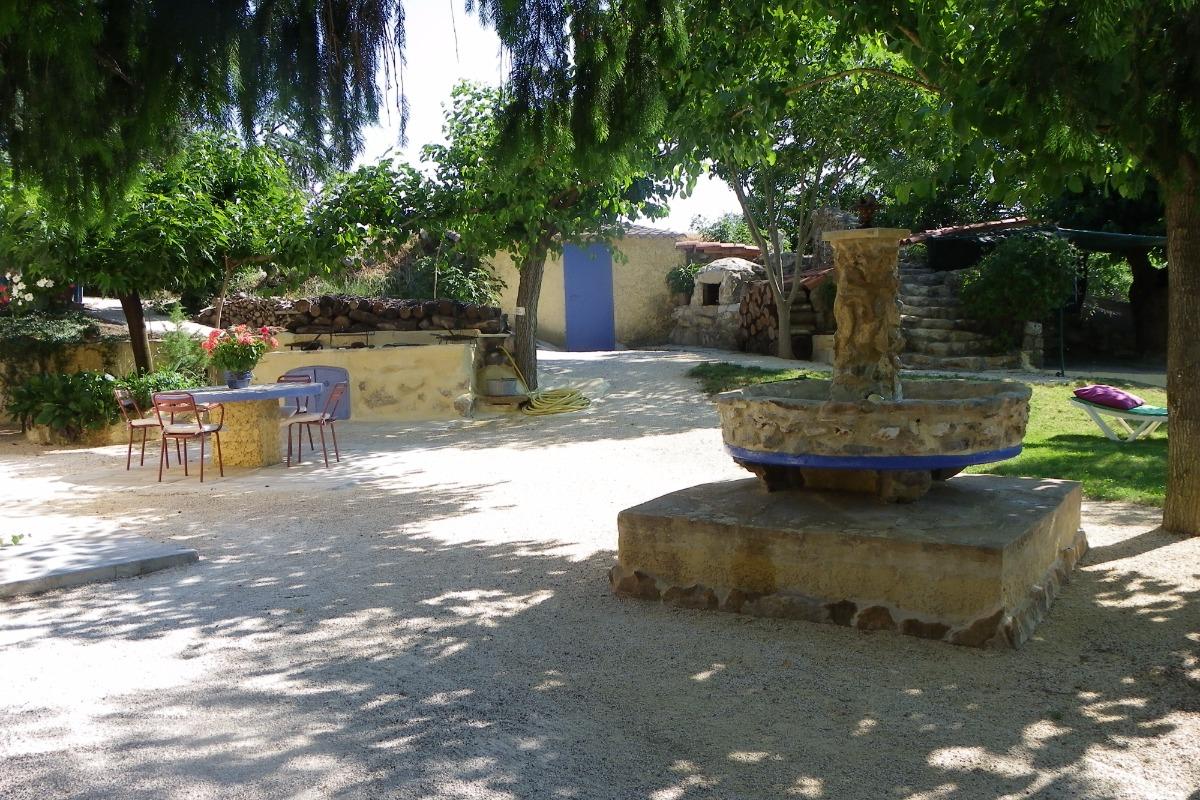 la cour - Location de vacances - Rochegude