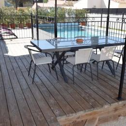 terrasse - Location de vacances - Castillon-du-Gard