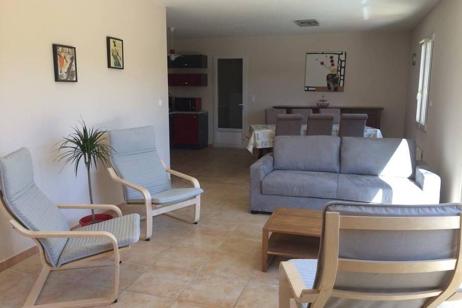 le coin salon - Location de vacances - Saint-Geniès-de-Comolas