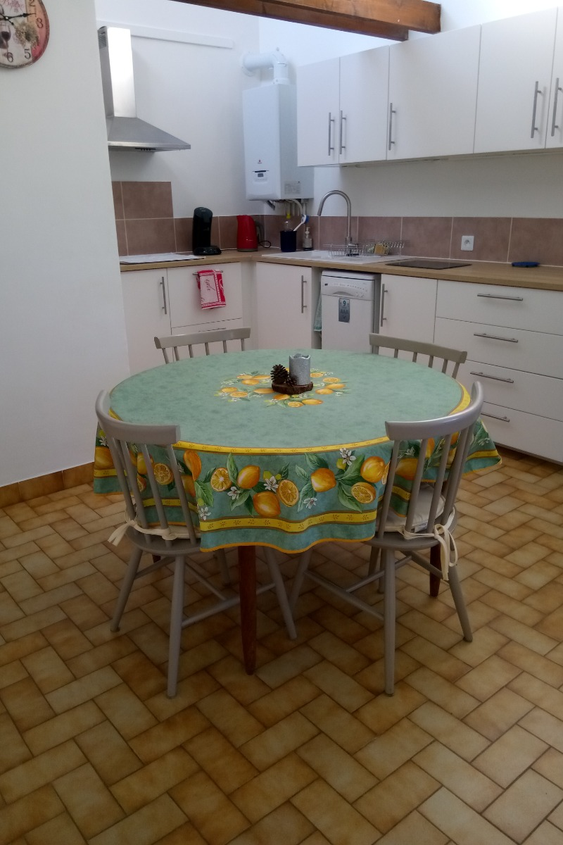 kitchen - Location de vacances - Pont-Saint-Esprit