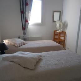 second bedroom - Location de vacances - Pont-Saint-Esprit