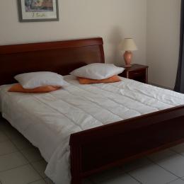 chambre 1 - Location de vacances - Aigues-Mortes