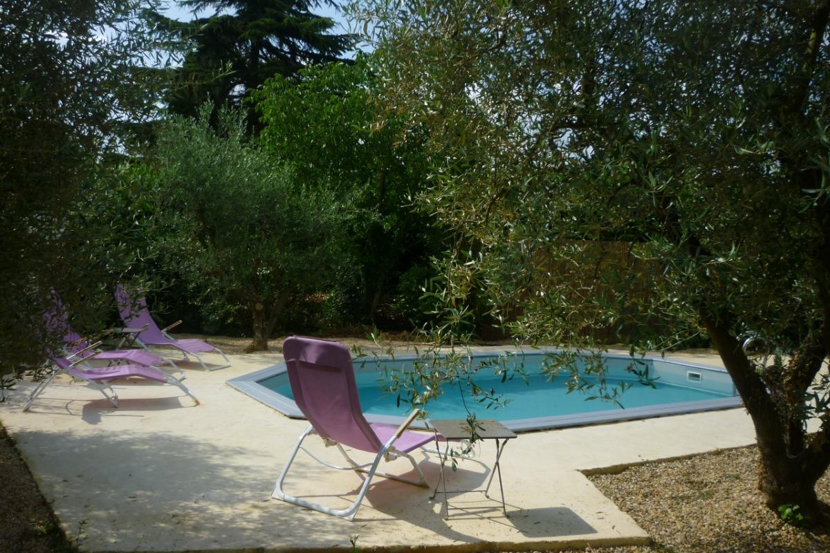 TERRASSE PISCINE - Location de vacances - Bezouce