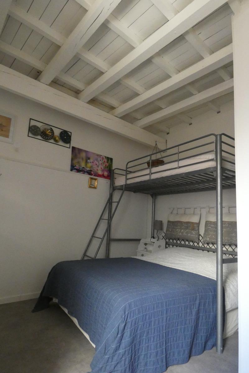 Chambre pour 2 adultes et 2 enfants ou 3 adultes + 2 enfants - Location de vacances - Vauvert
